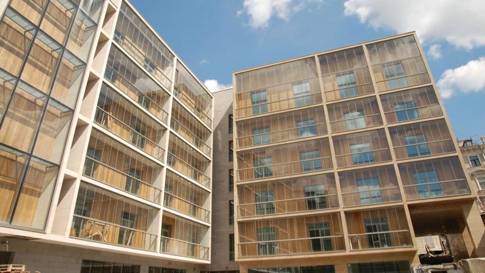 безкаркасное остекление балконов