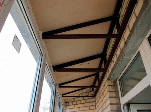 остекление балкона с крышей цена