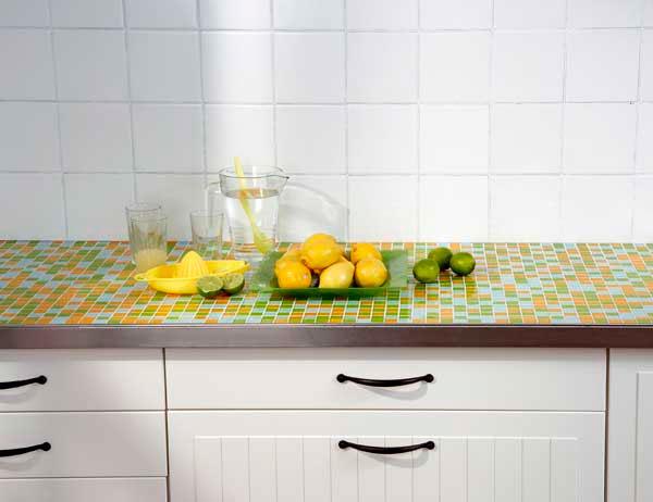 Кухонная столешница, отделанная мозаикой столешница толщина 30