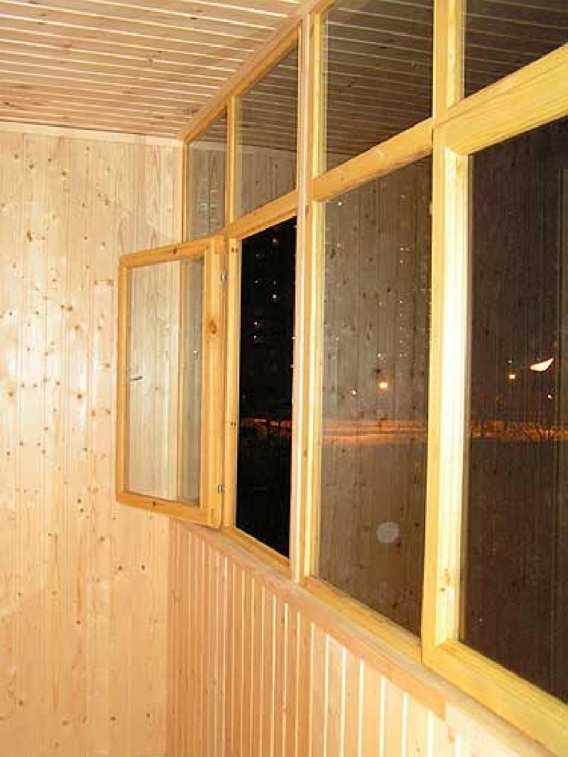 остекление балконов деревянными рамами цены