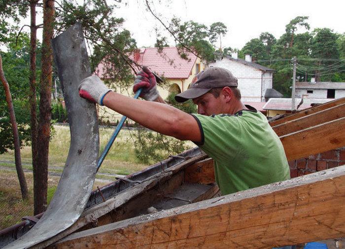 Как правильно перекрыть крышу дома своими руками?