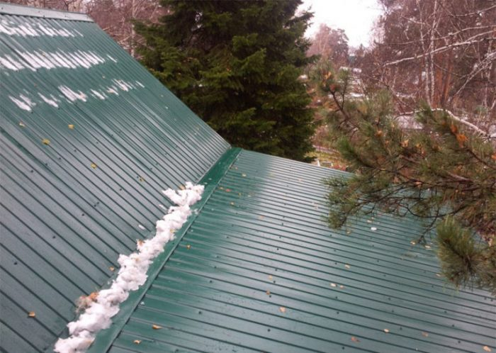 крыша из профнастила течет