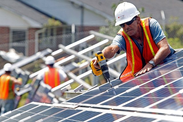 процесс монтажа солнечных батарей