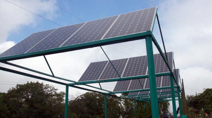монтаж солнечных батарей при помощи рамной конструкции