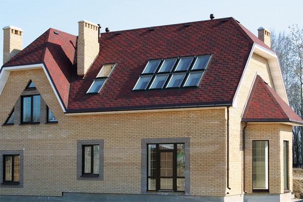 преимущества полувальмовых крыш