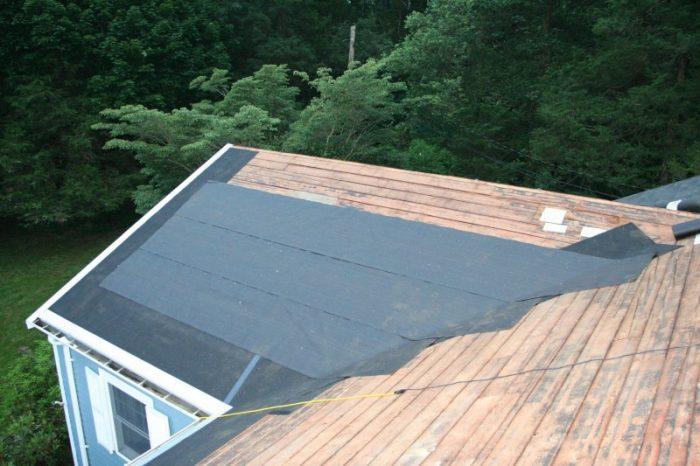 монтаж битумного покрытия на деревянную крышу