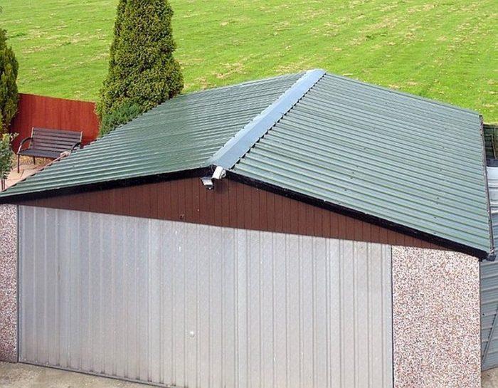 покрытие двускатной крыши гаража